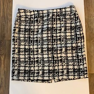 Ann Taylor Abstract Houndstooth Skirt